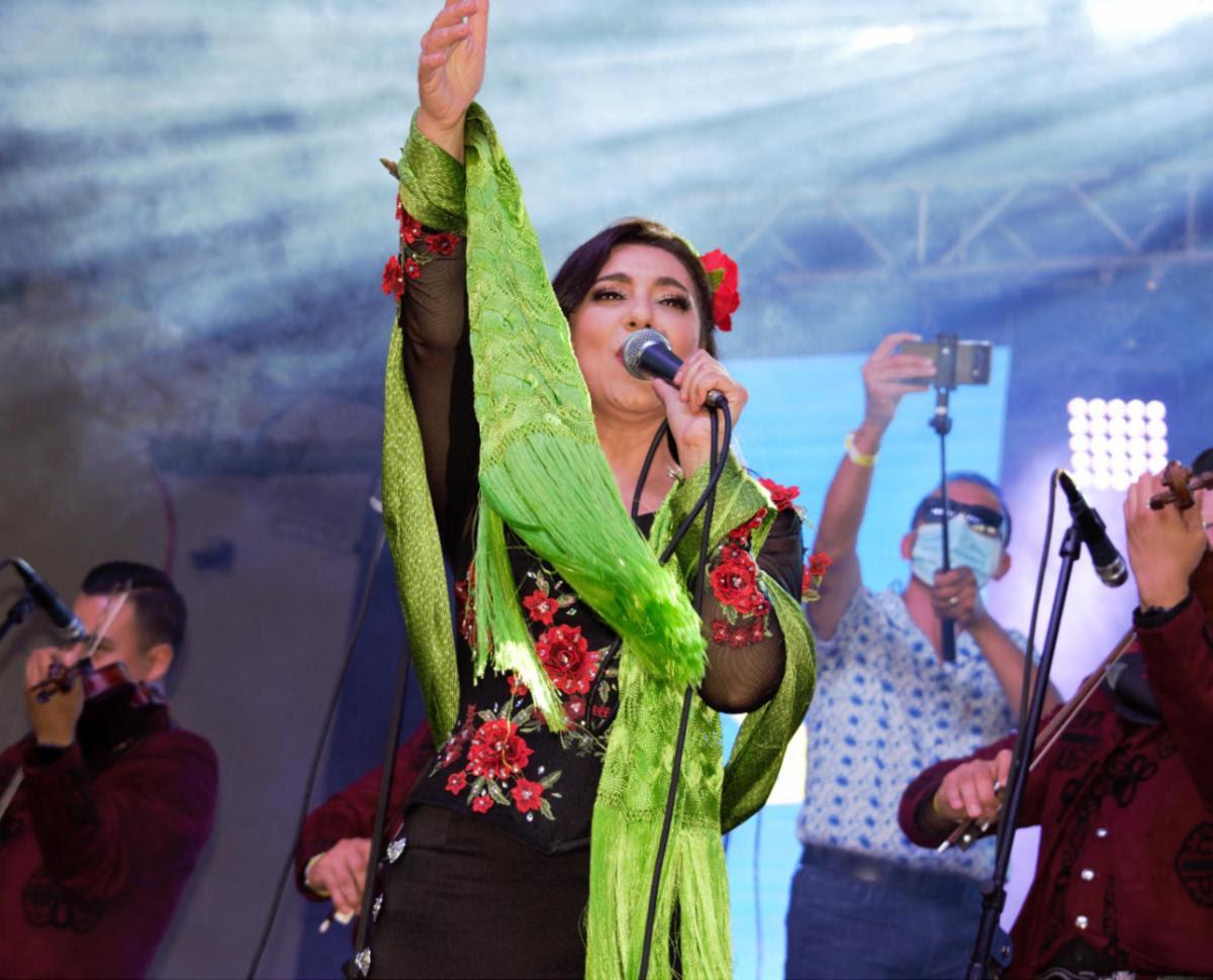 Graciela Beltran hace regreso triunfal a los escenarios